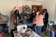 La alcaldesa de Talavera respalda el fondo laboral, social y humano del proyecto 'Más allá del reciclaje' que está desarrollando la Asociación Aurelio de León