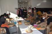 """Tita García Élez define a la artesanía como el """"patrimonio vivo"""" que se hace con las manos y aboga por su preservación y mantenimiento"""