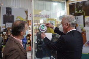 Diputación y APAG crean un distintivo para establecimientos que ofrecen al consumidor Alimentos de Guadalajara