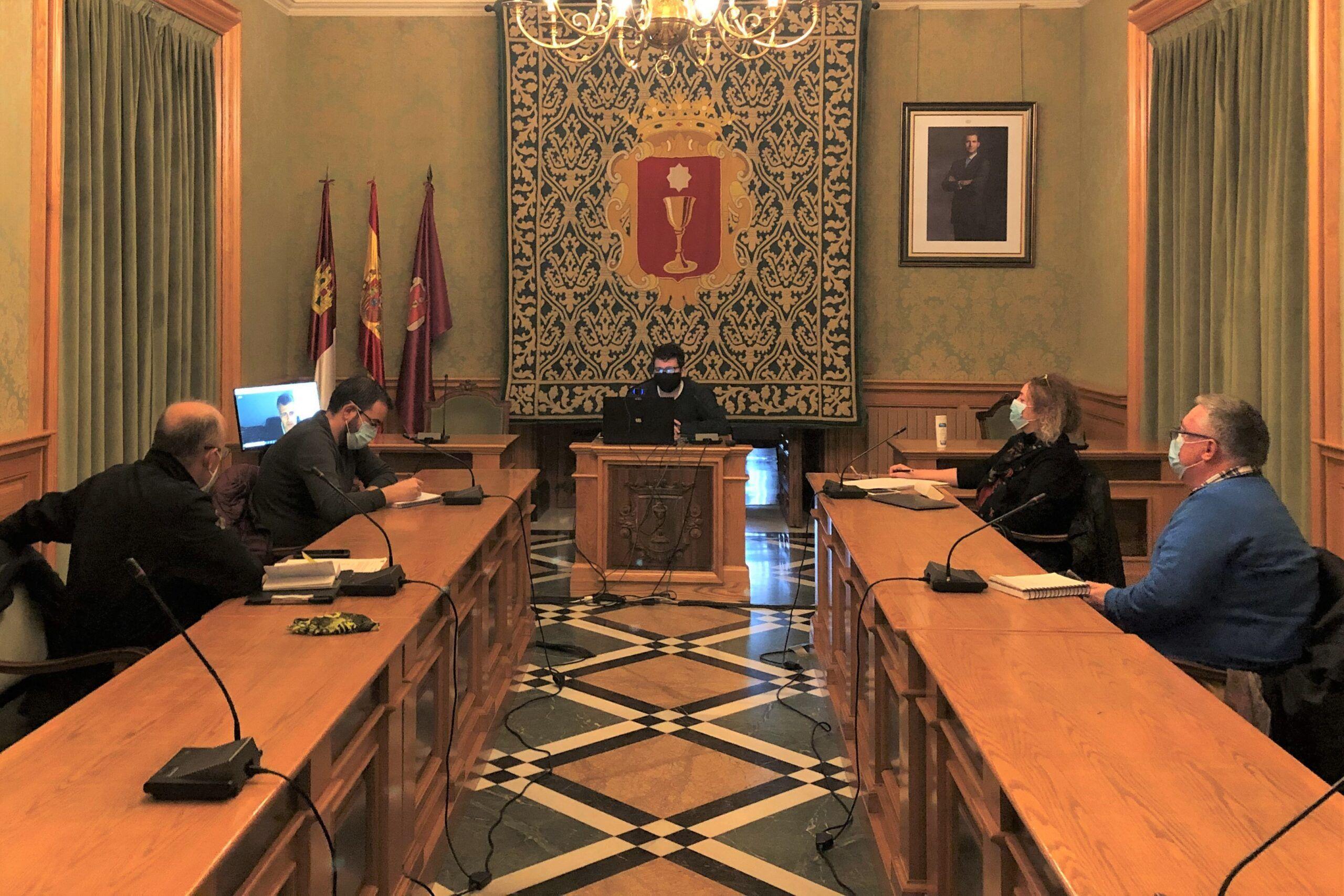 El Ayuntamiento de Cuenca culmina el proceso para regular los elementos de las terrazas de invierno