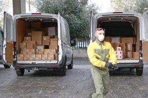 El Gobierno de Castilla-La Mancha ha distribuido esta semana cerca de 450.000 artículos de protección para profesionales sanitarios