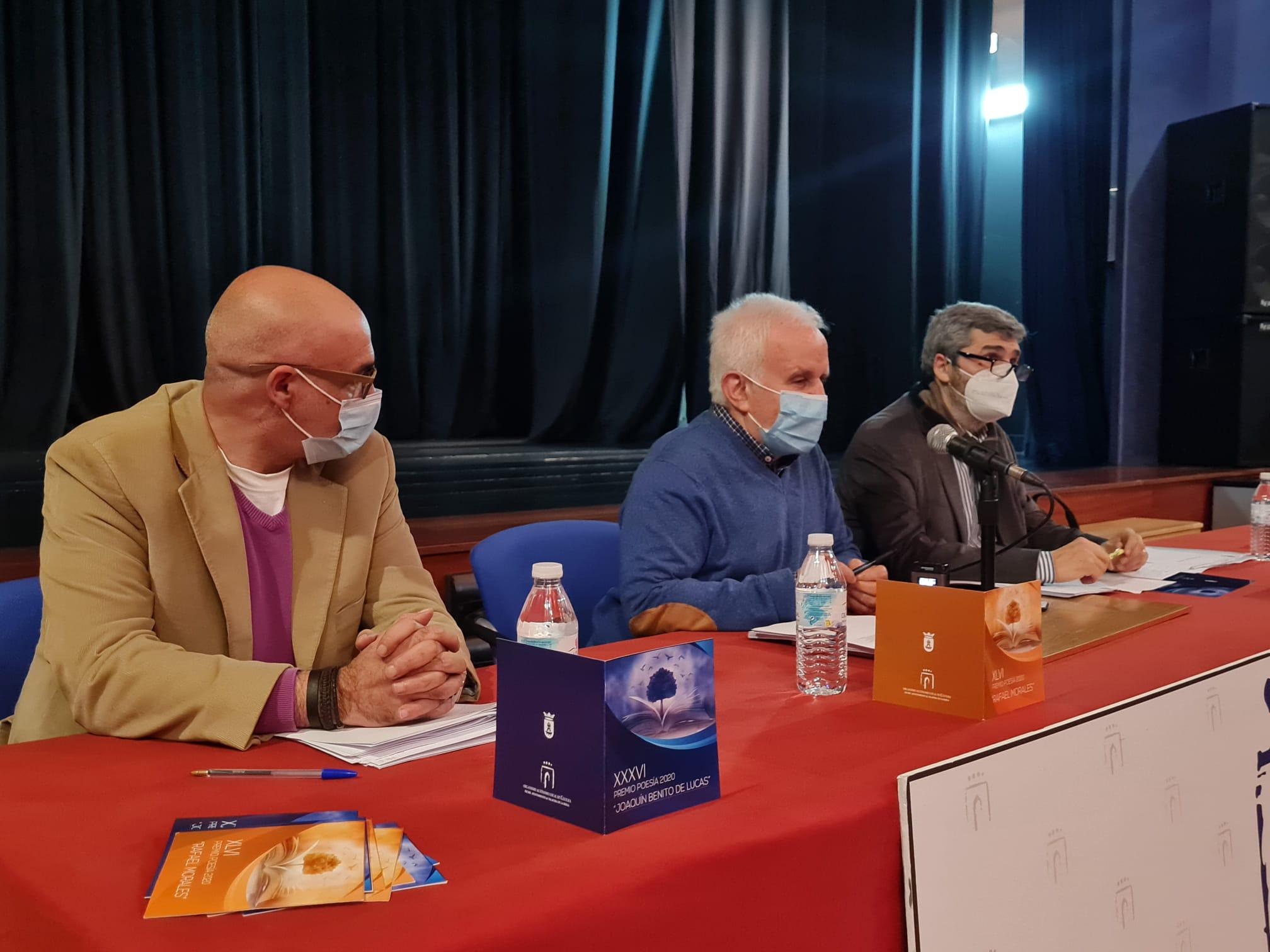 Carlos Gil destaca el record de participación y la alta calidad de los poemarios presentados en los Premios 'Rafael Morales' y 'Joaquín Benito de Lucas' de 2020