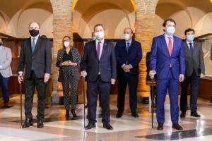 García-Page, Mañueco y Lambán proponen un acceso nacional a la información sanitaria y urgen la convocatoria de la Conferencia de Presidentes para conocer el reparto de los Fondos UE