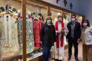 Los concejales Sergio de la Llave y Paloma Sánchez asisten a la inauguración del museo 'TelaeCaeli' en la Iglesia de San Andrés