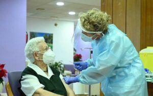 Castilla-La Mancha inicia la administración de la vacuna frente al coronavirus SARS-CoV2