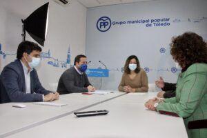 Reunión de Alonso con el portavoz popular de Turismo en el Congreso