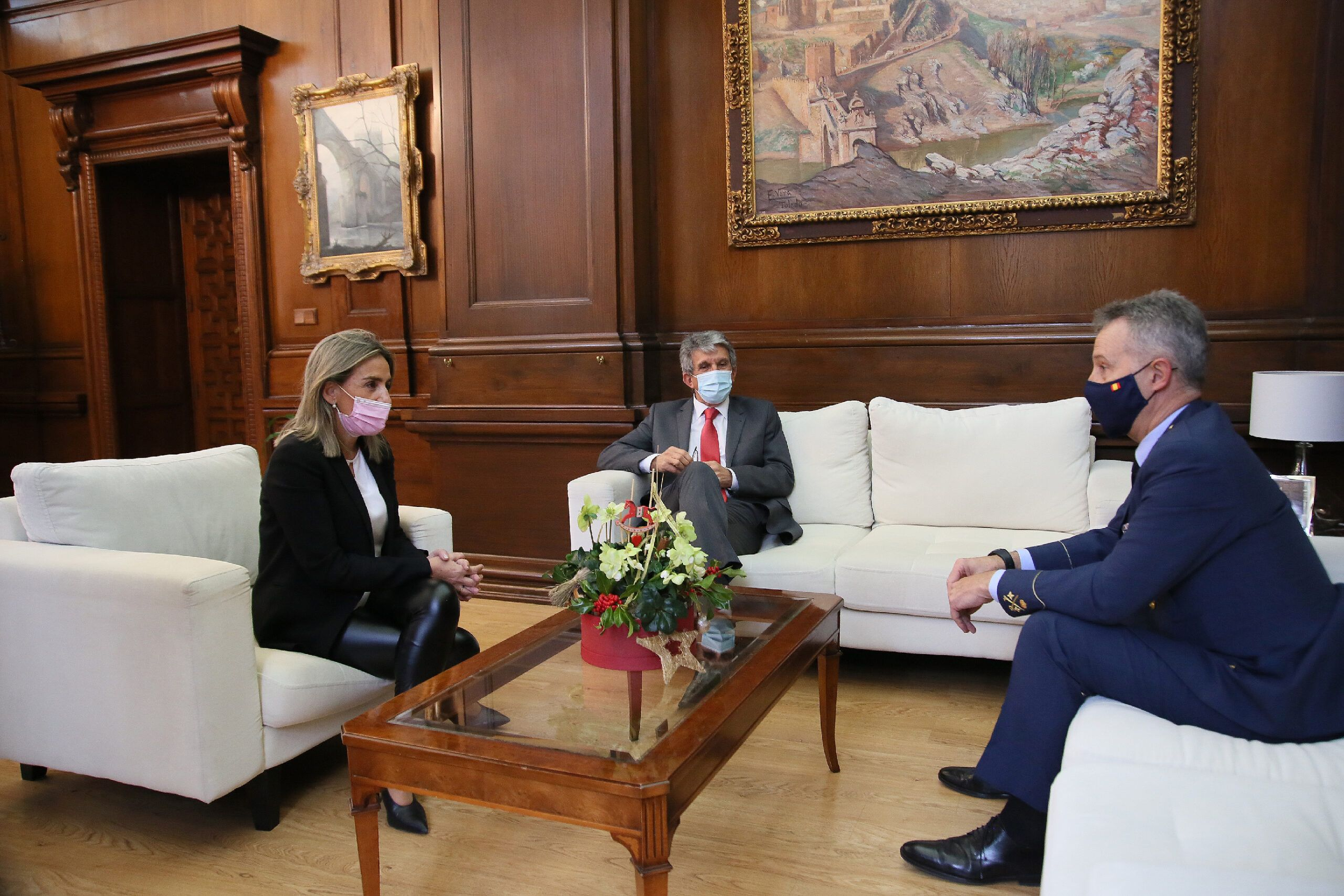 Tolón recibe en las Casas Consistoriales al nuevo jefe del Mando Aéreo General, Juan Ángel Treceño