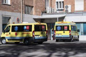 Sanidad notifica 24.462 casos y España supera los 50.000 fallecidos, con 298 desde Nochebuena