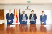 El Gobierno regional da un nuevo impulso a la movilidad de las áreas supramunicipales renovando el servicio ASTRA de Nambroca