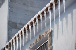 El consorcio de bomberos alerta sobre la acumulación de nieve en balcones y cornisas