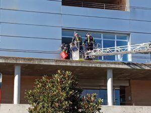 Efectivos del servicio municipal de Extinción de Incendios de Talavera se convierten en los particulares Reyes de los niños hospitalizados