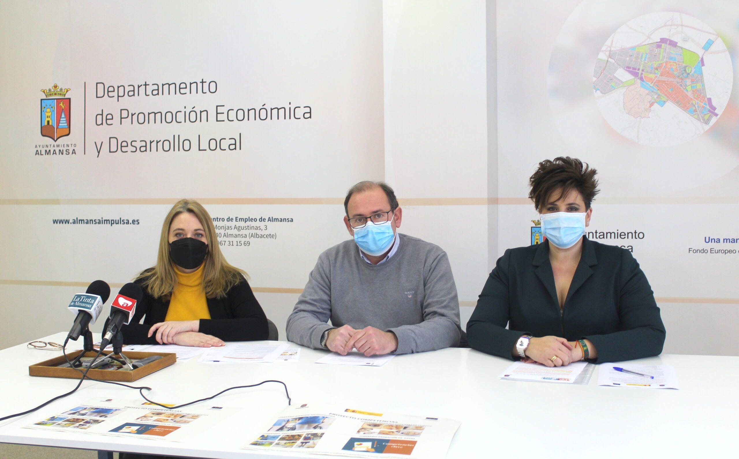 """El Ayuntamiento de Almansa inicia la primera fase del proyecto """"Competencias"""" destinado a la formación de personas desempleadas"""