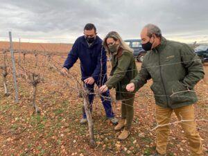 Merino sigue conociendo de la mano de agricultores y cazadores las medidas a la grave situación que atraviesa el campo por los daños provocados por la plaga de conejos