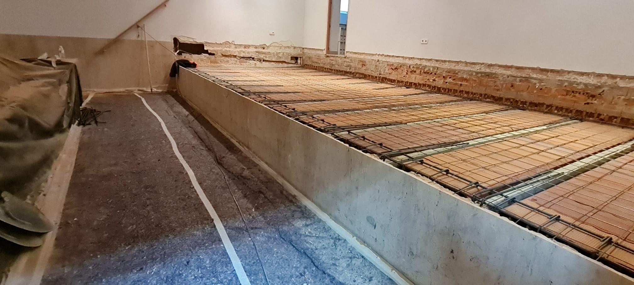 El Ayuntamiento invierte el periodo de cierre de la Biblioteca 'José Hierro', debido a la pandemia, para realizar obras de mejora en la cubierta y acondicionar el escenario
