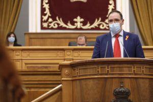 """Prieto: """"La Junta no puede vendernos que fomenta los servicios básicos cerrando consultorios y dejando a la provincia sin tren"""""""