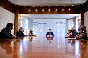 Núñez escucha las demandas de la Plataforma de Hosteleros de Toledo y recuerda que llevará un Plan de Apertura de este sector al pleno del jueves