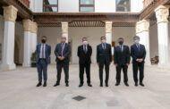 Castilla-La Mancha inmunizará a la comunidad educativa antes de lo previsto inicialmente y la semana que viene comenzará a vacunar a las Fuerzas y Cuerpos de Seguridad del Estado en grandes espacios
