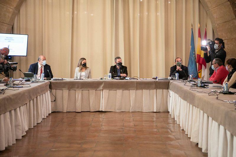 Castilla-La Mancha diseña una nueva convocatoria de 10.000 plazas de empleo público para consolidar los servicios públicos