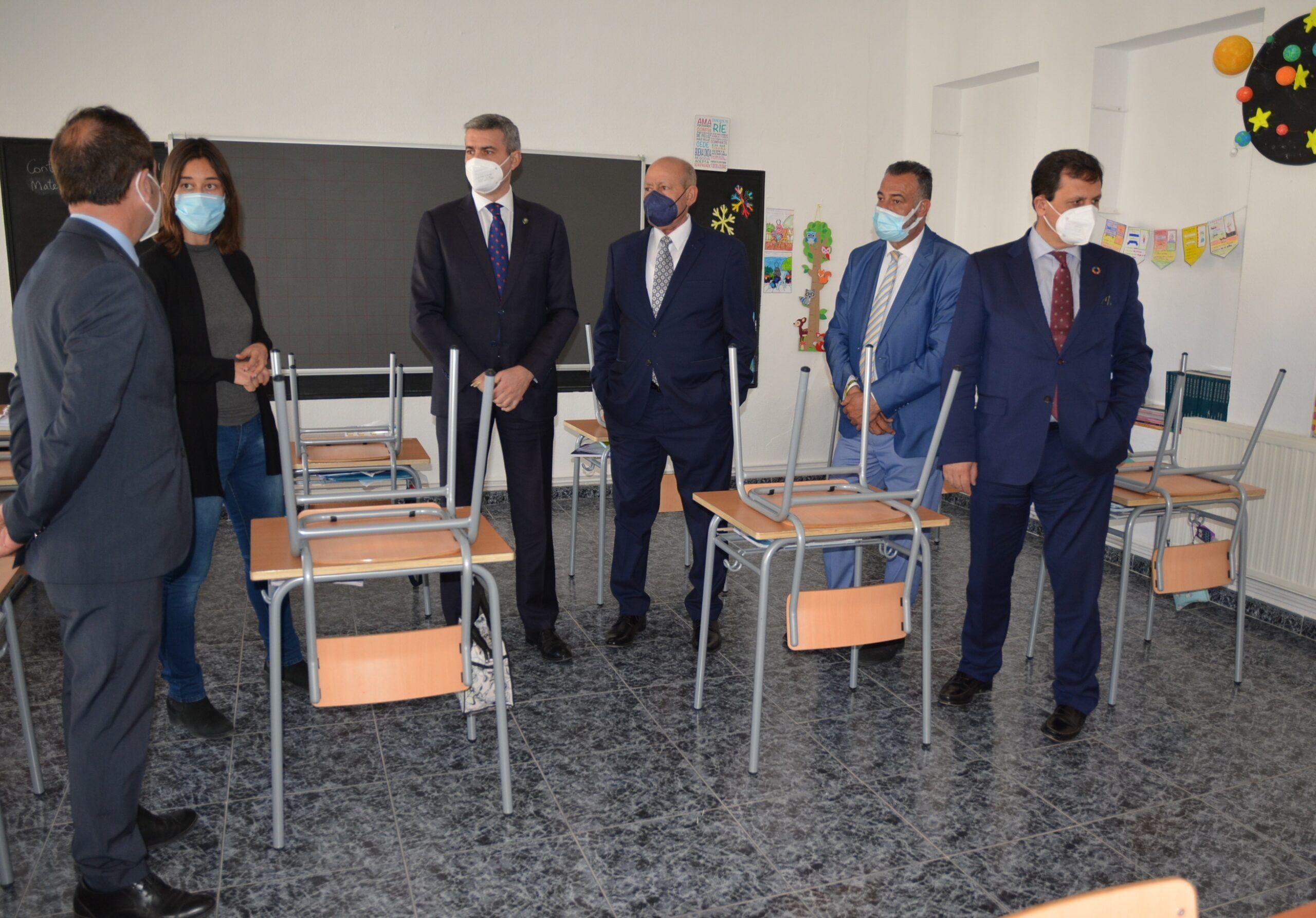 Álvaro Gutiérrez orgulloso de que la Diputación haya colaborado en la reapertura del colegio de Cabañas en Yepes