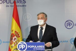 Cañizares: Page rectifica y permite la apertura del interior de la hostelería por la presión del PP de Paco Núñez y los colectivos afectados
