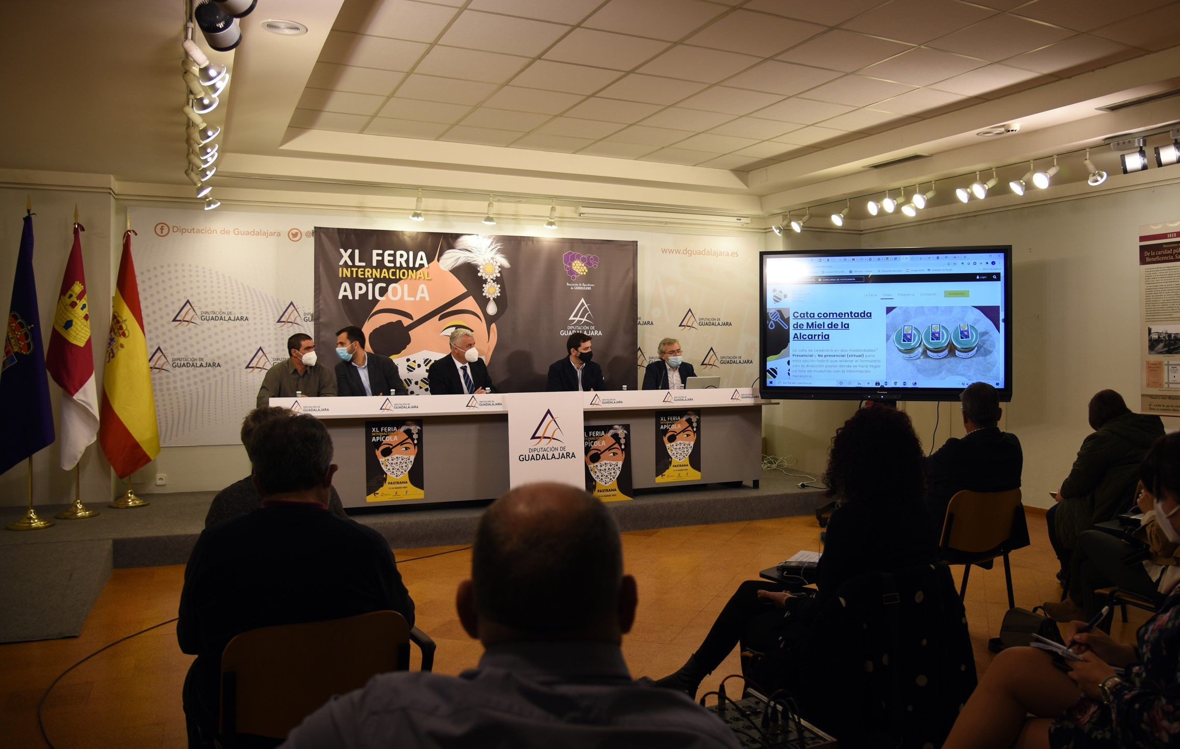 La XL Feria Apícola mantiene el número habitual de expositores en el nuevo formato telemático