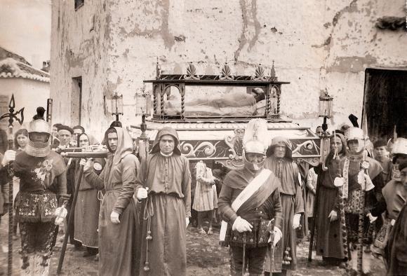 El Gobierno regional realiza una exposición virtual con 62 fotografías y carteles históricos de la Semana Santa de Castilla-La Mancha