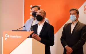 """Cs Guadalajara defiende una modificación de presupuestos que es un """"salvavidas"""" para autónomos, empresas y familias de la ciudad"""