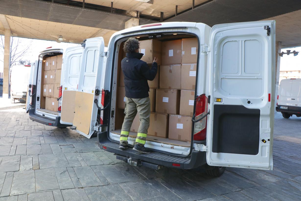 El Gobierno de Castilla-La Mancha ha enviado esta semana cerca de 700.000 artículos de protección para profesionales sanitarios