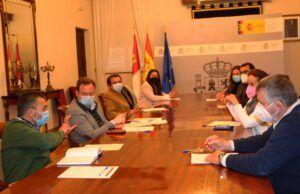 La Subdelegación del Gobierno y el Ayuntamiento de Albacete informan a las asociaciones agrarias y ETT sobre la ordenanza de habitabilidad de alojamiento para trabajadores temporeros agrícolas