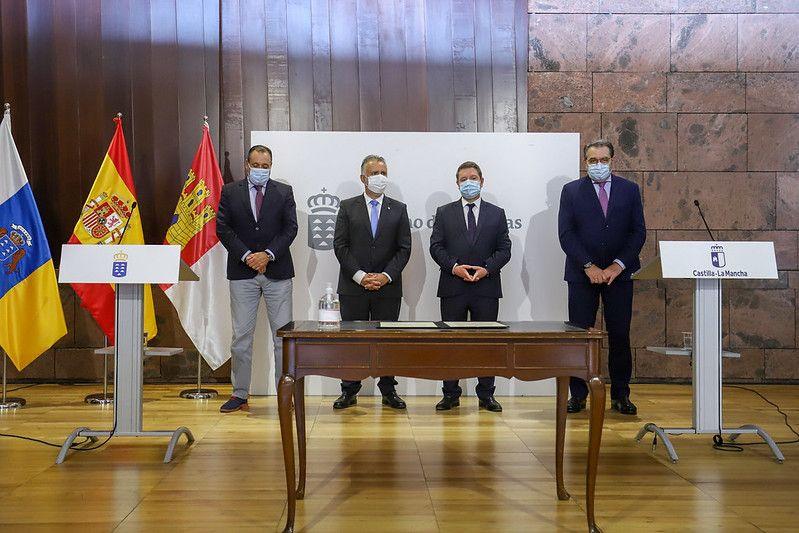 """García-Page defiende un reparto ordenado de las vacunas y que exista """"unidad de mensaje y de criterio en todos los rincones de España"""""""