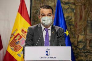 El Gobierno de Castilla-La Mancha y Espirituosos España suman fuerzas en su compromiso por un consumo responsable de alcohol en adultos y la ausencia en menores