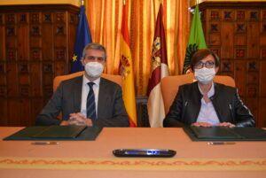 El presidente de la Diputación y la directora general de la Guardia Civil firman el convenio para la mejora de los acuartelamientos de la provincia