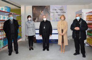 Ana Gómez anuncia el incremento a 100.000 euros de las ayudas de la Diputación a la labor solidaria de Cáritas