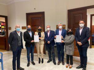 El grupo parlamentario socialista muestra en las Cortes de España el apoyo a los trabajadores y trabajadoras de REPSOL Puertollano