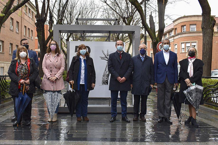 El Ayuntamiento y Acción Cultural Española traen a la ciudad '50 fotografías con historia', una nueva exposición al aire libre de gran formato