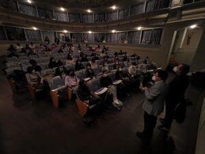 Un centenar de escolares disfruta la obra 'Galdós Enamorado' que abre la clausura del Año Galdosiano en la capital regional