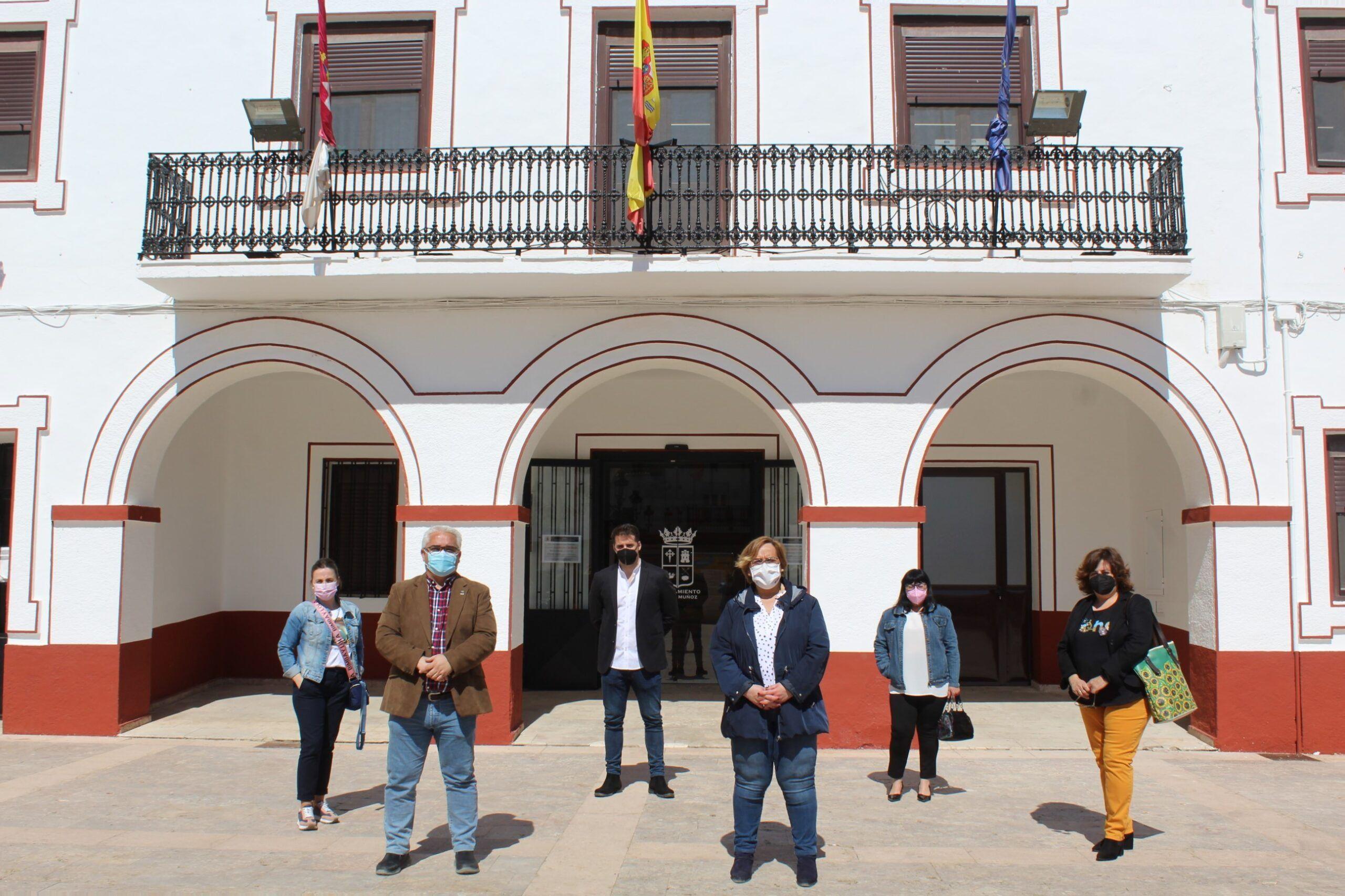 El Gobierno de Castilla-La Mancha sufraga con una subvención de Presidencia la reparación de la fachada del ayuntamiento de Pedro Muñoz