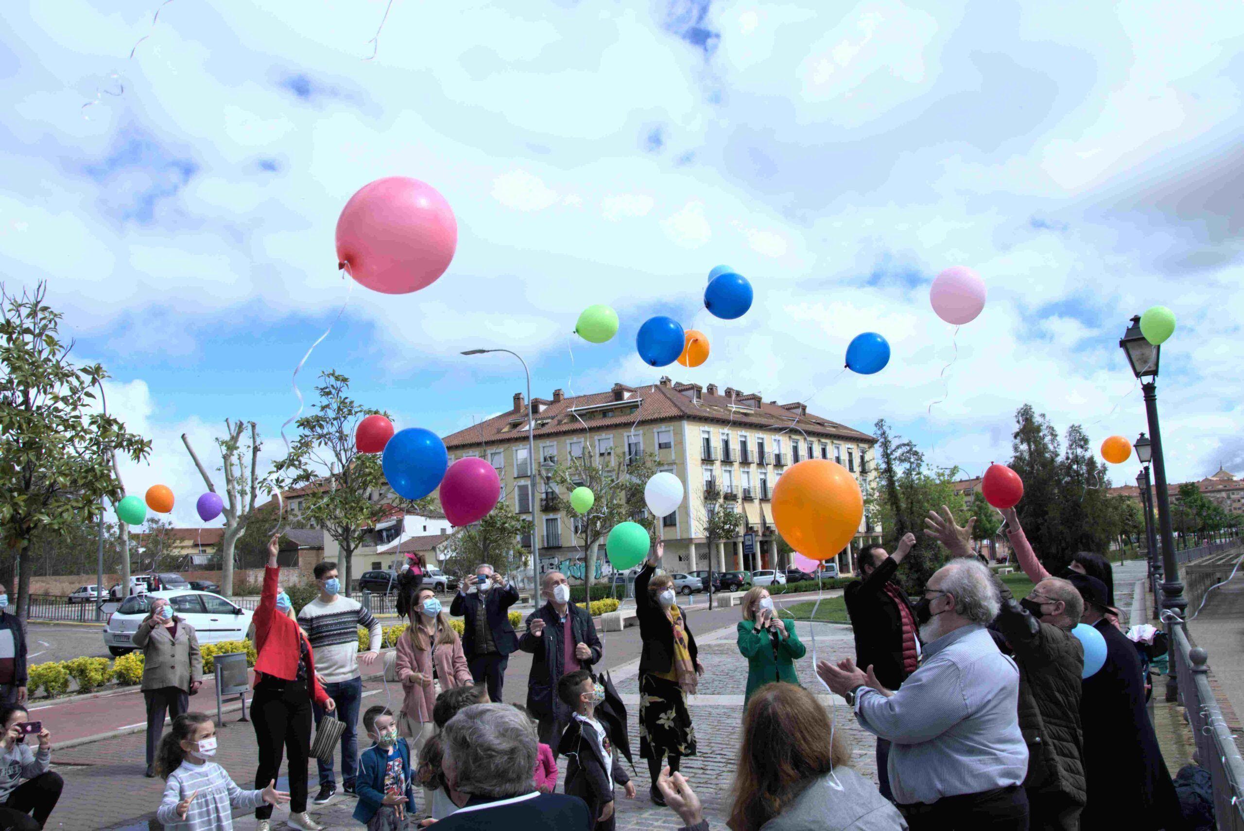 La concejala de Protección Social participa en los actos conmemorativos y de concienciación del Día Mundial del Parkinson en Talavera