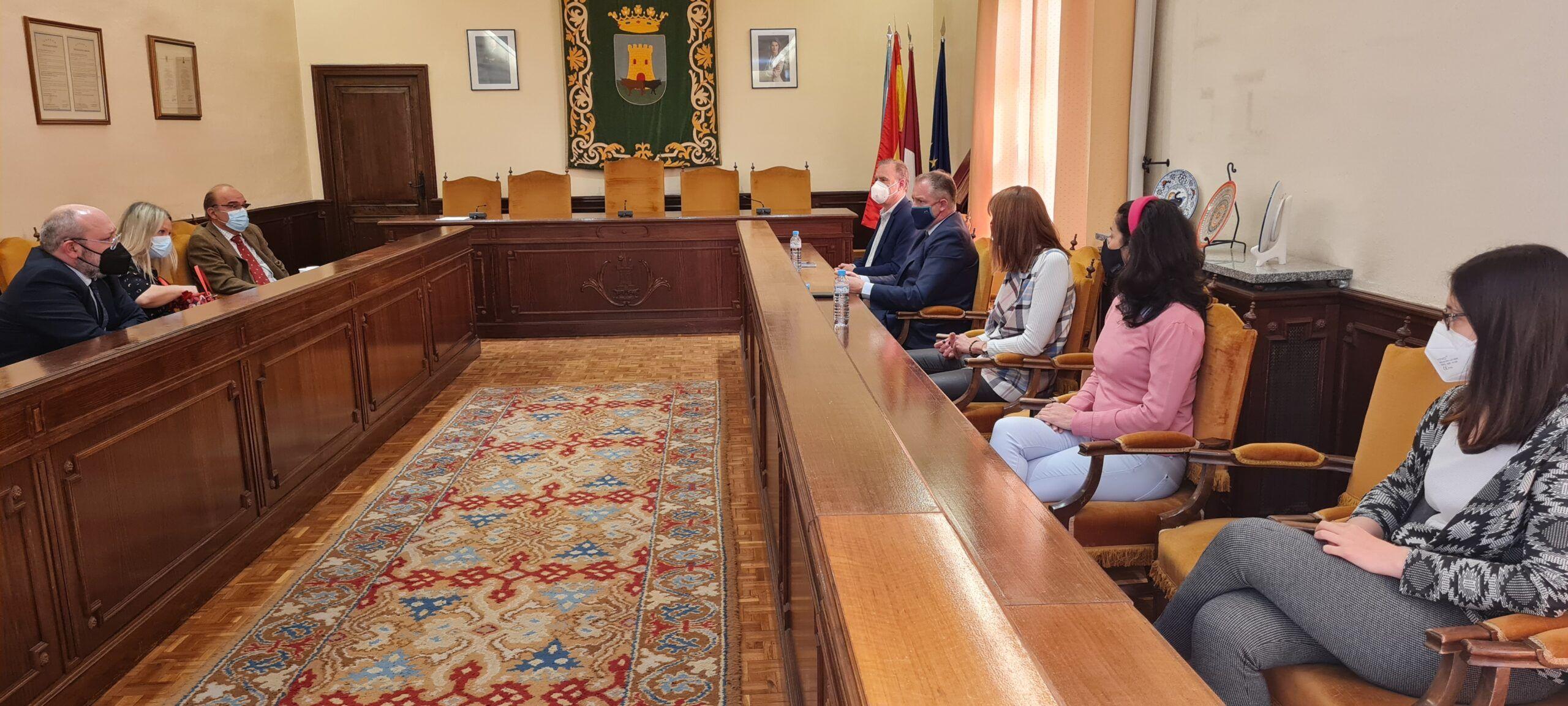El Ayuntamiento y el Colegio de Registradores de la Propiedad de CLM colaborarán para el mejor desarrollo de Talavera de la Reina