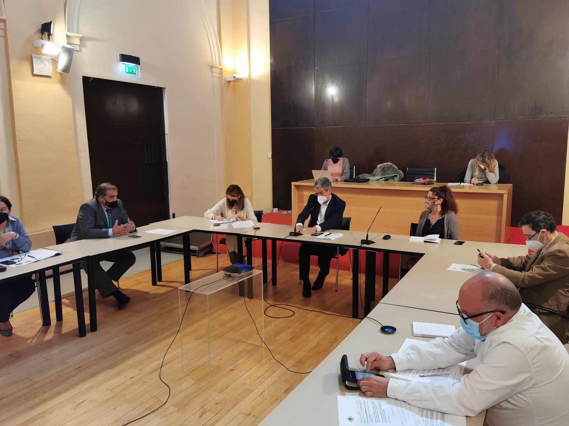 La Comisión de Hacienda aprueba 9,5 millones de euros para inversiones en infraestructuras y obra pública para la reactivación
