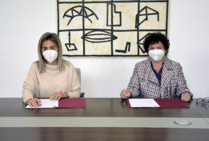 Ayuntamiento y Colegio Virgen del Carmen firman un acuerdo para el desarrollo de prácticas en los centros municipales