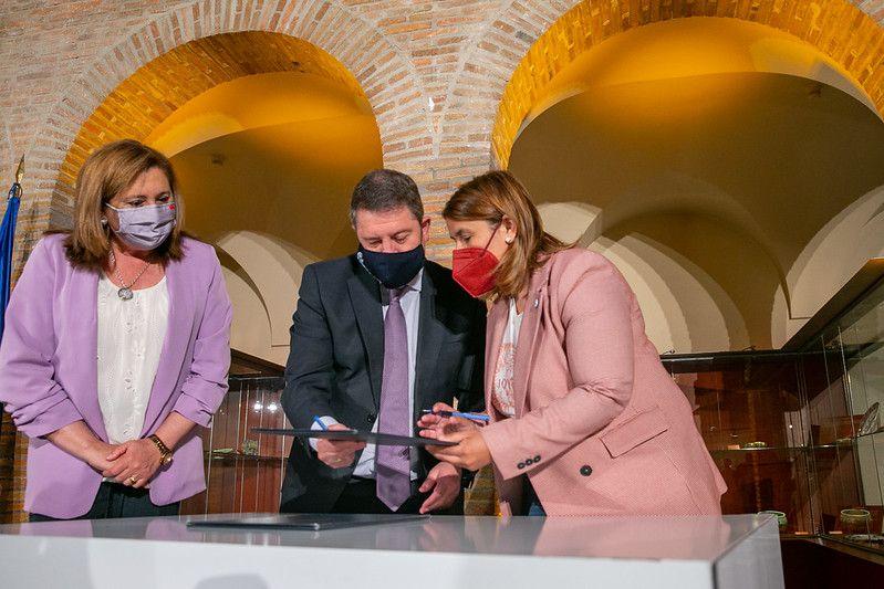 García-Page avanza inversiones para Talavera en materia sanitaria, de infraestructuras comunicativas, universitarias y servicios sociales