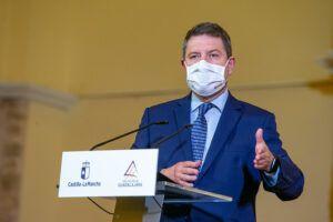 García-Page celebra el ritmo de la vacunación tras el récord batido ayer con casi 30.000 dosis y anuncia el inicio de este proceso a mayores de 50