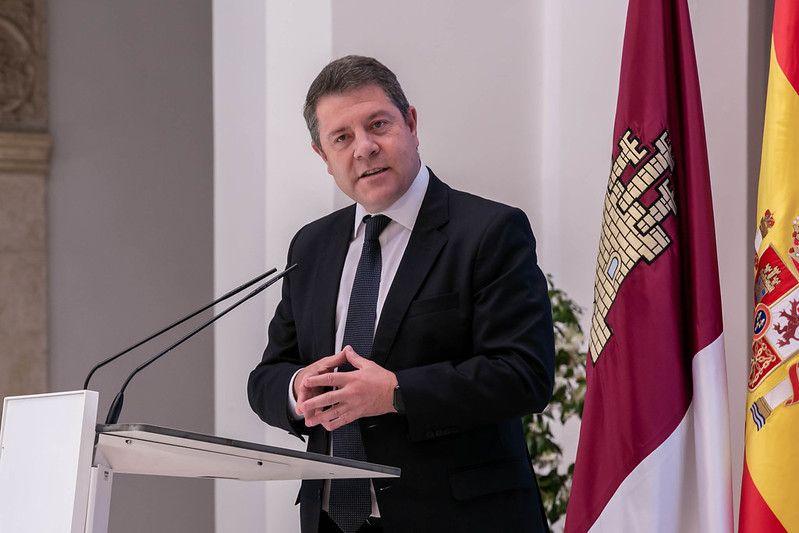 """El presidente García-Page destaca la """"importancia histórica"""" de la instalación de Cummins en la región con la generación de 1.000 empleos"""