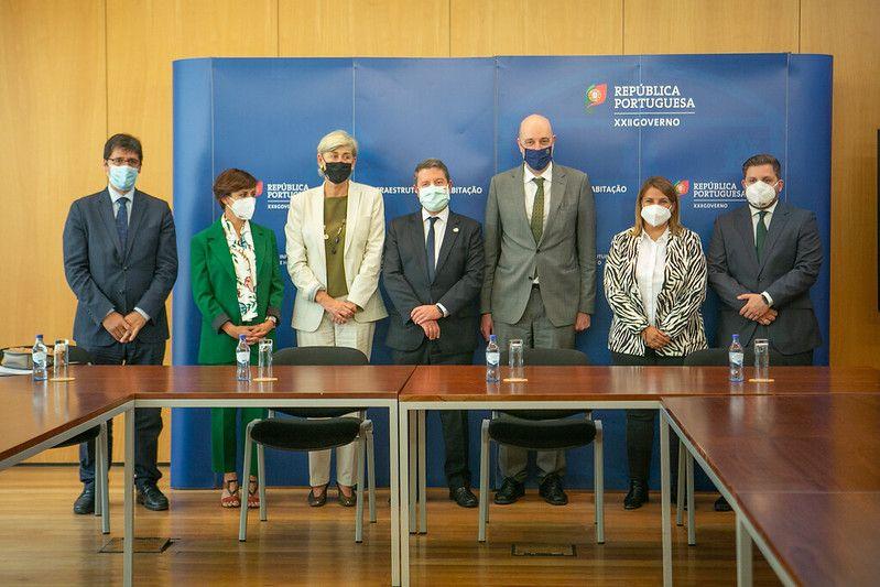 """García-Page reivindica una """"mirada peninsular"""" de Portugal y España hacia Europa y anuncia que se multiplicará por diez la inversión en cultura"""