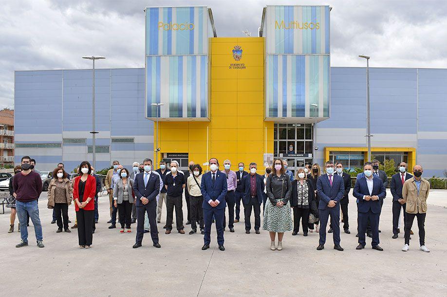 """El alcalde agradece al personal municipal """"el esfuerzo y la dedicación que hacen de este Ayuntamiento una gran familia"""""""
