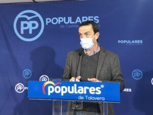 """Higueruela acusa al PSOE de no hacer nada y permitir que el puente CLM """"esté a oscuras desde hace más de medio año"""""""