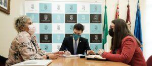 El Gobierno regional subraya el compromiso y la colaboración del Ayuntamiento de Fuensalida con la igualdad de género