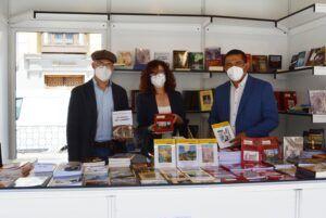 La Diputación regala 400 libros en la Feria de Toledo y la Semana del libro de Talavera de la Reina