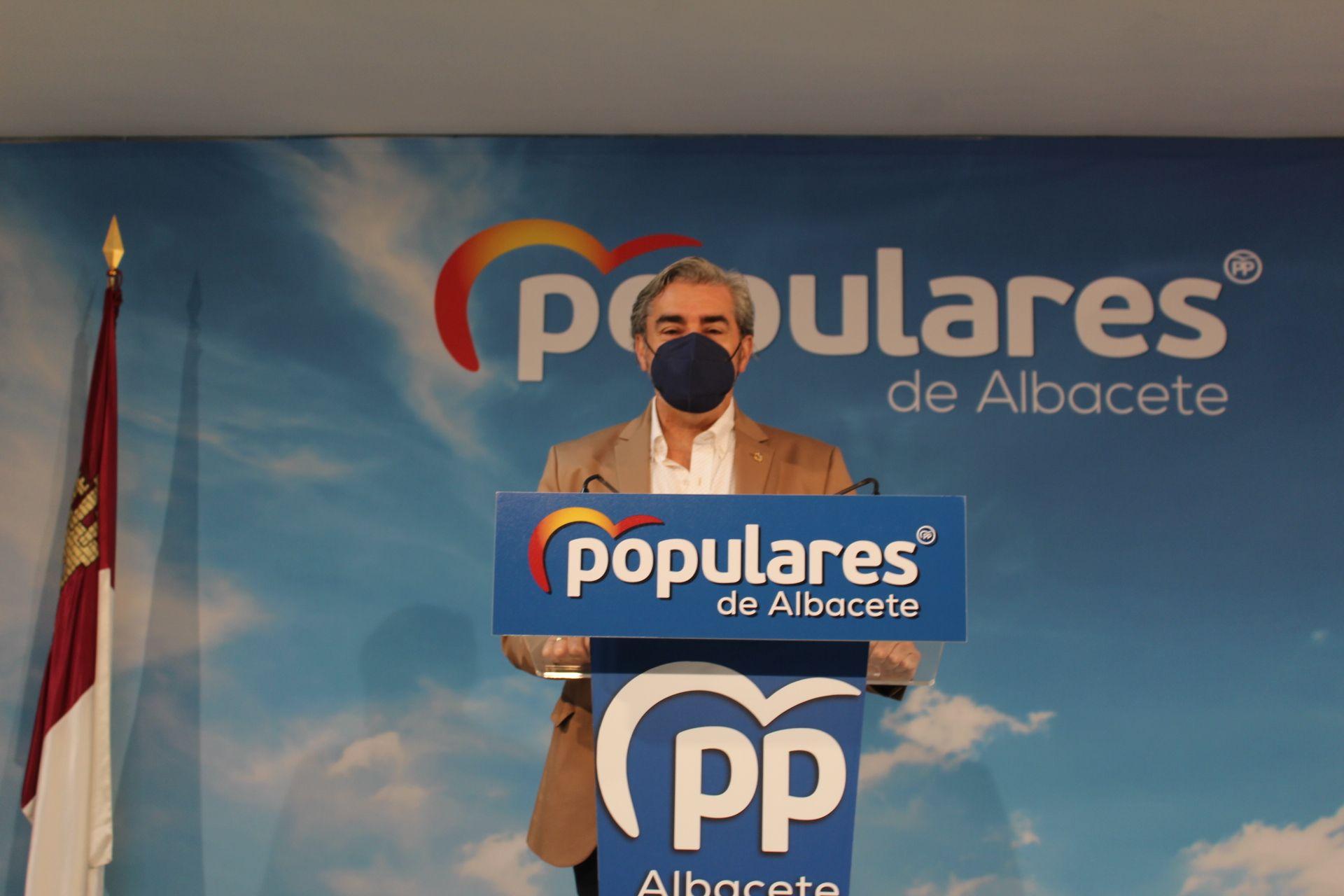Ramón Rodríguez valora las encuestas como un evidente cambio de tendencia que otorga la confianza de los ciudadanos en Pablo Casado y Paco Núñez
